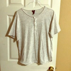 H&M three button t-shirt